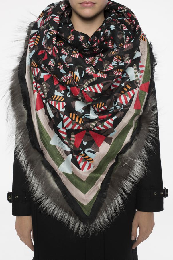 Patterned fur scarf od Fendi